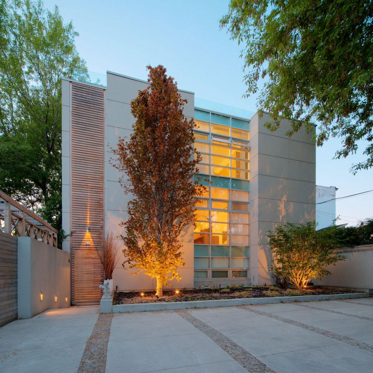Modern Urban Infill: Modern Infill House By Cecconi Simone Inc