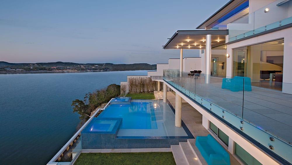 Luxury Acquavilla Residence on Lake Travis in Texas