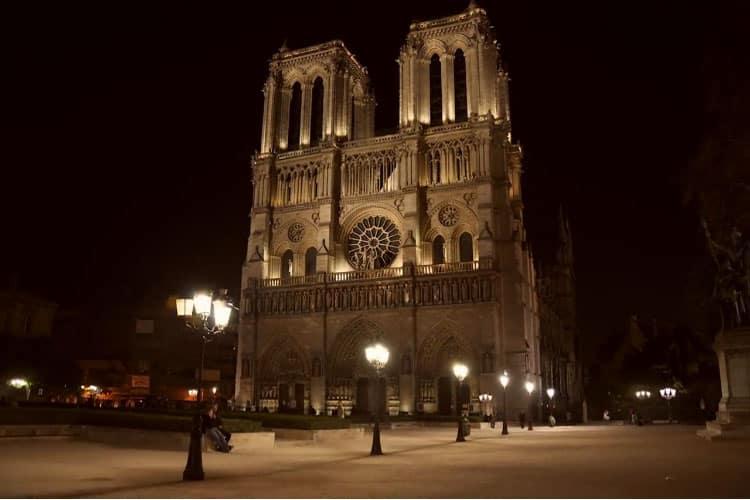 Paris in 2,000 Images (Video)