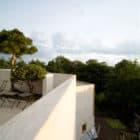 Maison L, an Amazing Concrete House near Paris by Christian Pottgiesser
