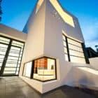 Prahran House in Melbourne by Nervegna Reed