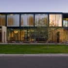 Sosnowski Residence by Chen+Suchart Studio in Tempe, Arizona