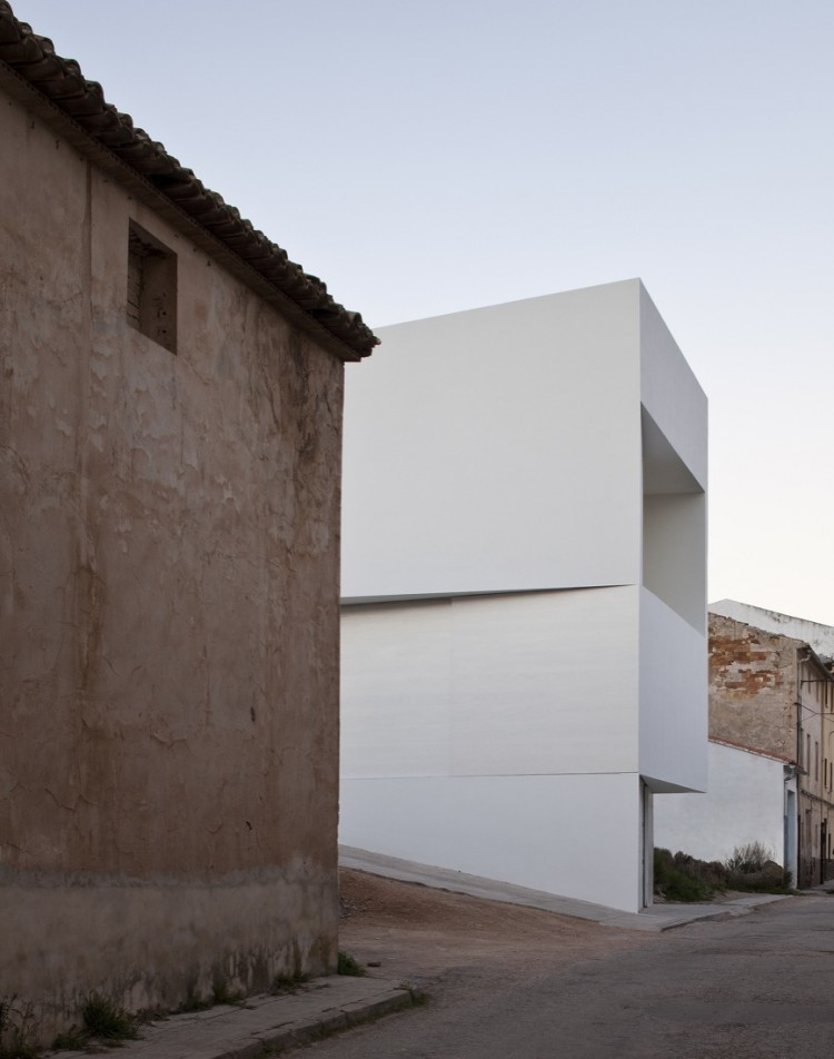 White house in ayora by fran silvestre arquitectos - Palmer blanch arquitectos ...