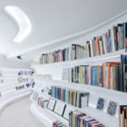 Living with Books and Art: a Loft in New York by UNStudio