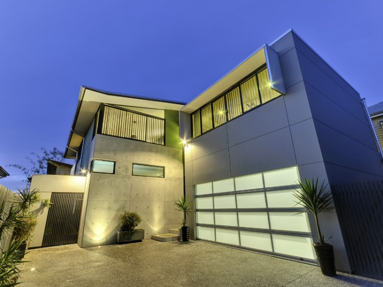 Contemporary concrete house in brisbane for Concrete home floor plans