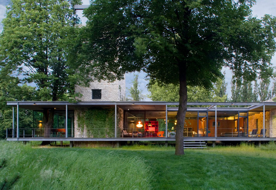 Jodlowa House, a Stunning Glass House in Krakow by PCKO