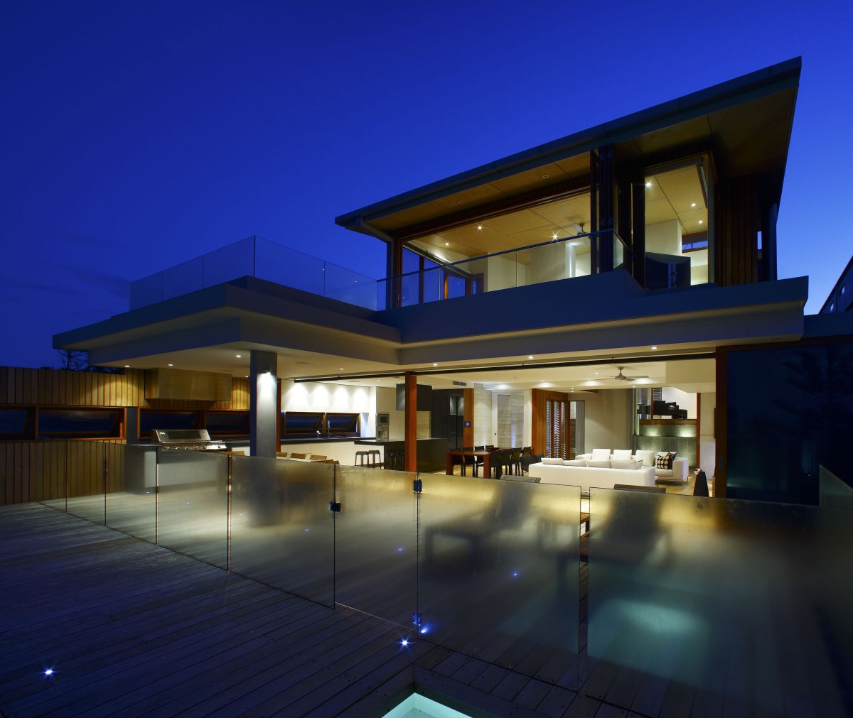 Contemporary Australian Home Architecture On Yarra River: Contemporary Beach Front Residence By Middap Ditchfield