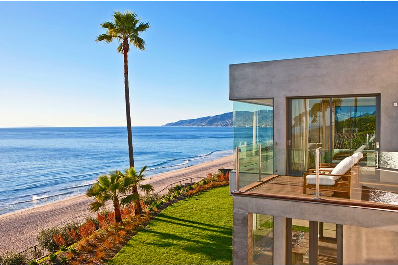 Brand New Coastal Modern Residence in Malibu
