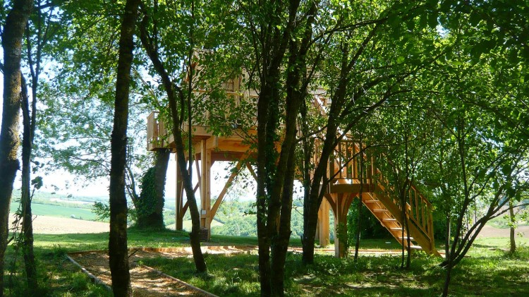 Romantic Treehouse With Hot Tub 12 Feet Off the Ground!