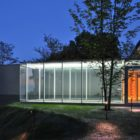 Cascade House by Peter Gluck and Partners