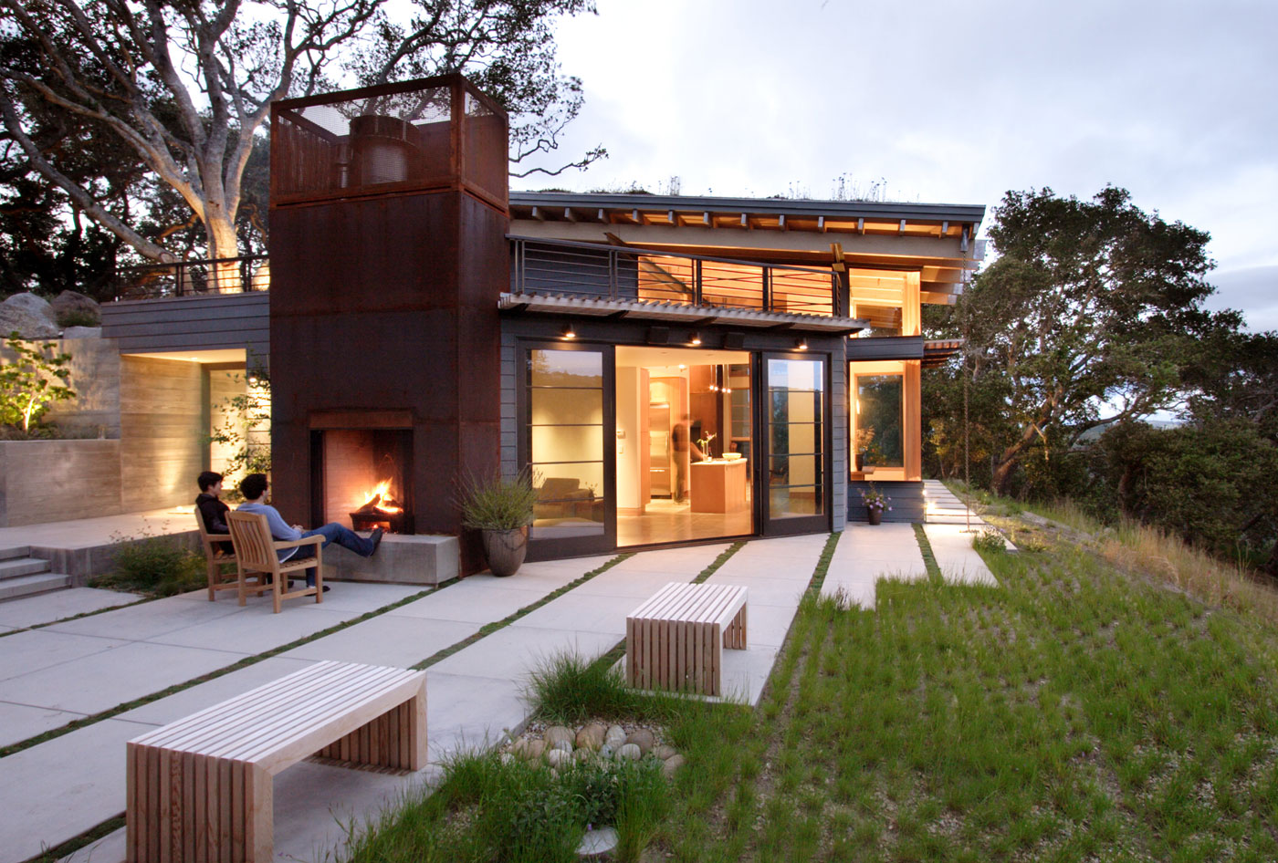 Sustainable house ocho by feldman architecture for Looking for an architect to design a house