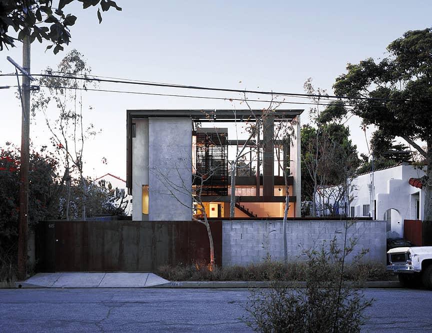 Solar umbrella residence by brooks scarpa architects for Architecture upbrella