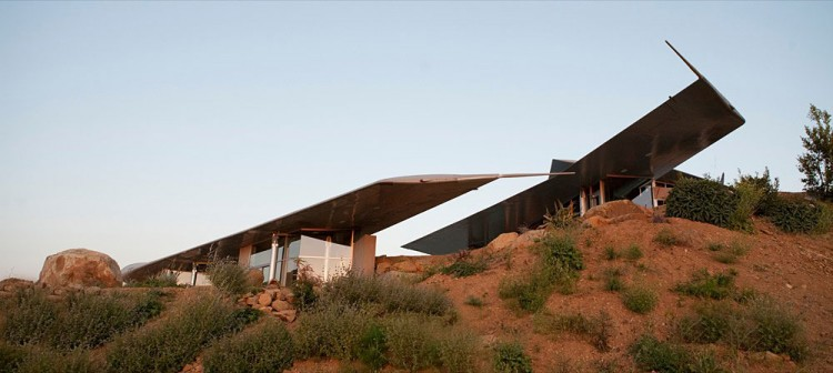 Wing House A House Made From 747 Plane Parts By David Hertz Architects