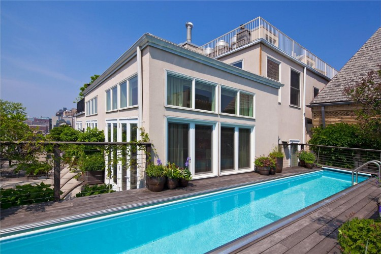 Two Story Penthouse With Stunning Roof Terraces And Swimming Pool In