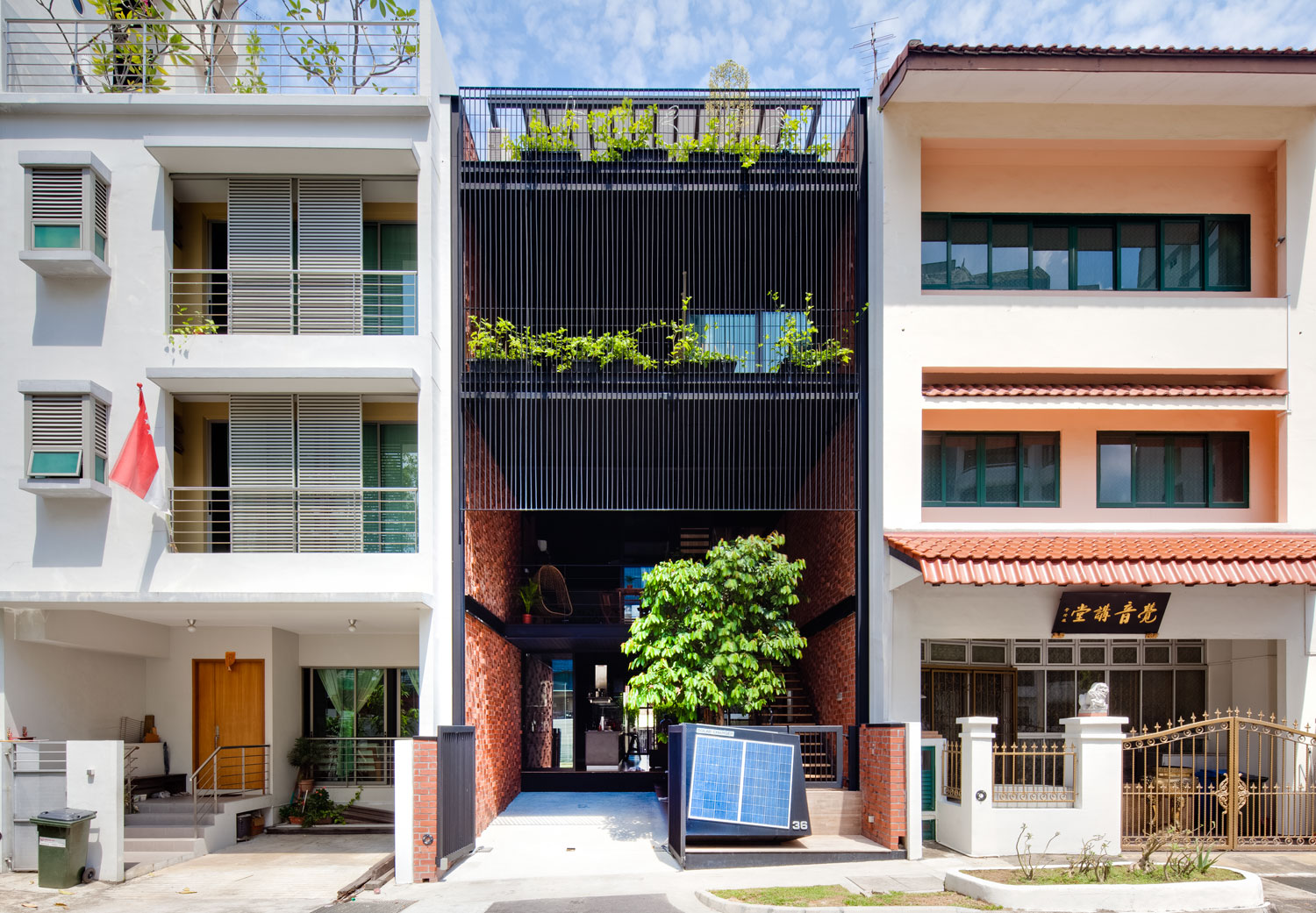 36 BTrd Residence by DP Architects