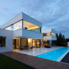 The HI-MACS House by Karl Dreer and Bembé Dellinger Architects