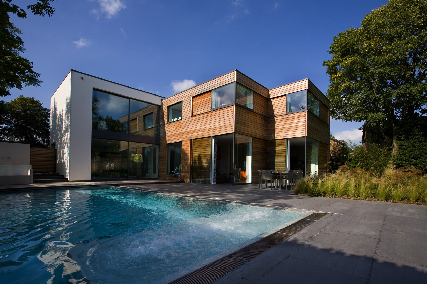 Contemporary residence in north western london for Modern residences