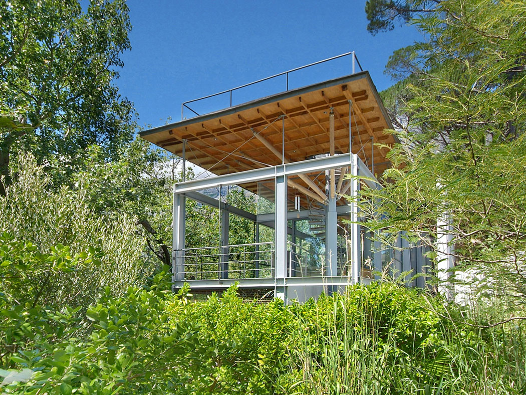 Tree House by Van Der Merwe Miszewski Architects
