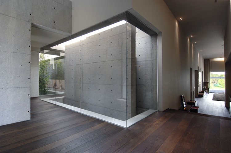 Concrete Walls For Homes : Concrete house by a cero