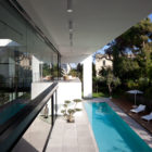 Contemporary Bauhaus on the Carmel by Pitsou Kedem Architects