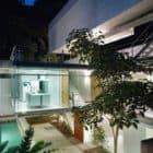 Carapicuiba house by Angelo Bucci and Alvaro Puntoni