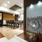 Maheshwari Triplex by ZZ Architects