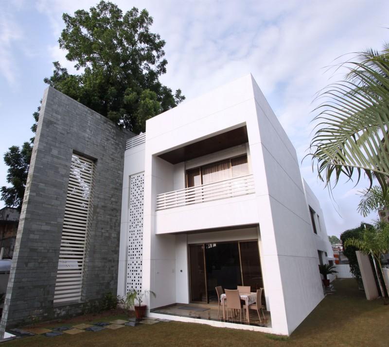 The Wall House By Dipen Gada Associates