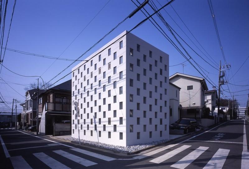 Cell brick by atelier tekuto for Small japanese house design in tokyo by architect yasuhiro yamashita