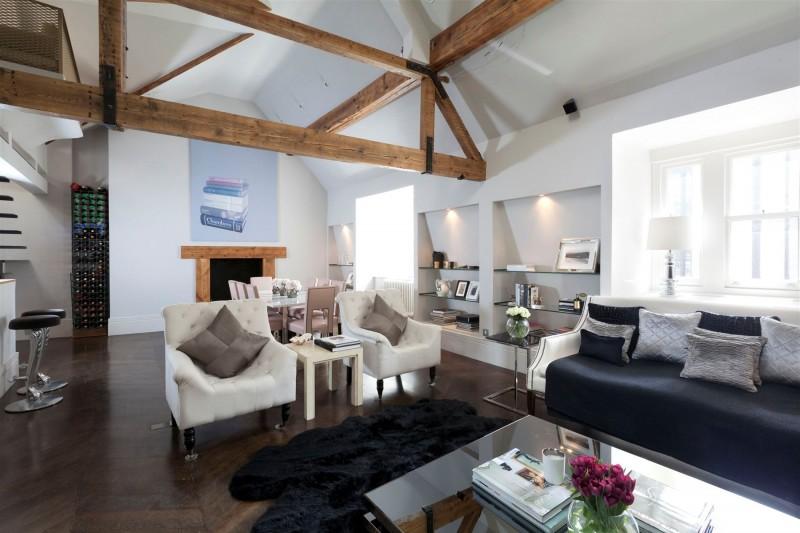 top floor 2 bedroom love nest in kensington church court london