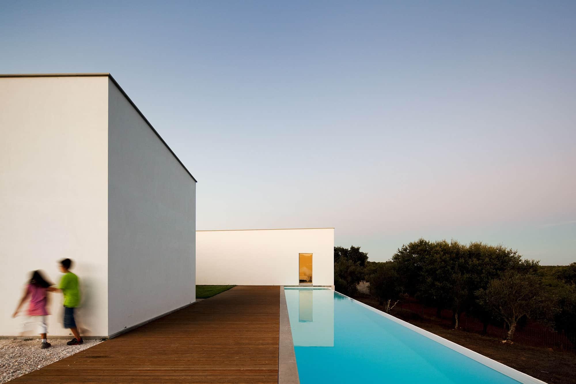 Candeias House by Carrilho da Graça Arquitectos