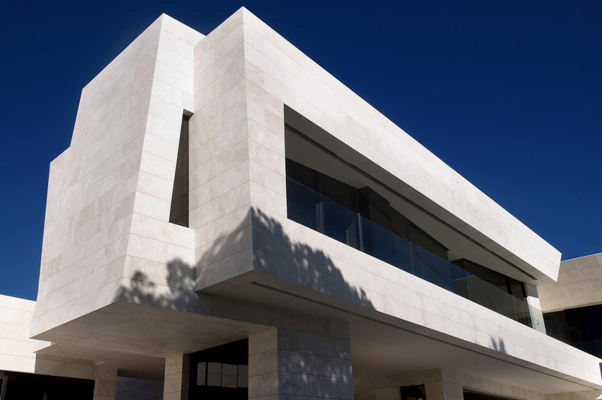 Familiar House in Marbella by A-cero