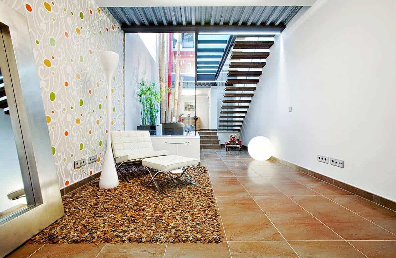 12 Feet Wide Family House in Barcelona by Ferrolan LAB
