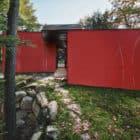 Hill-Maheux Cottage by Kariouk Associates