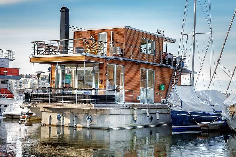 Contemporary Floating Home in Sweden