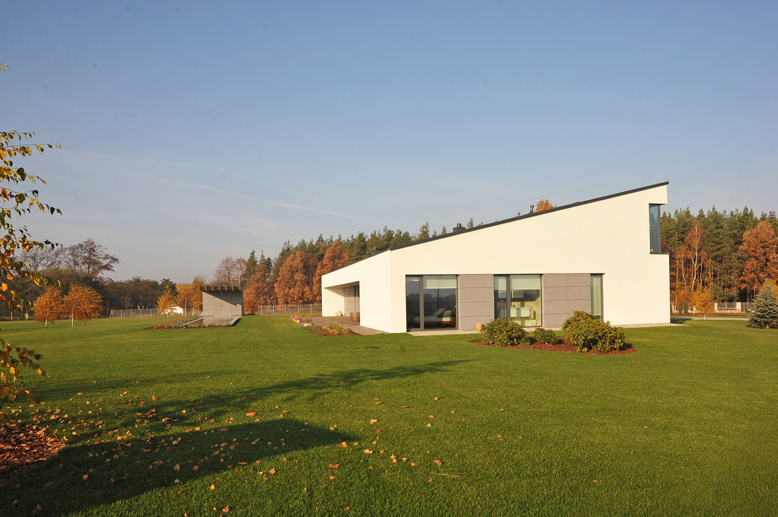 House in Jozefow by ZAG Architekci