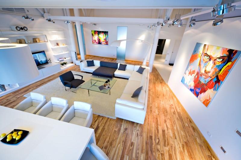 https://cdn.homedsgn.com/wp-content/uploads/2012/03/Loft-Apartment-01-800x532.jpg