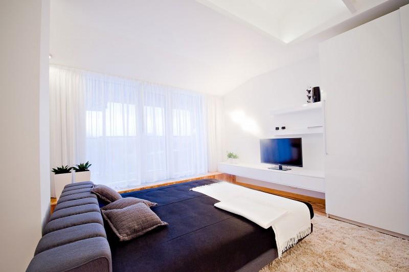 https://cdn.homedsgn.com/wp-content/uploads/2012/03/Loft-Apartment-18-1-800x532.jpg