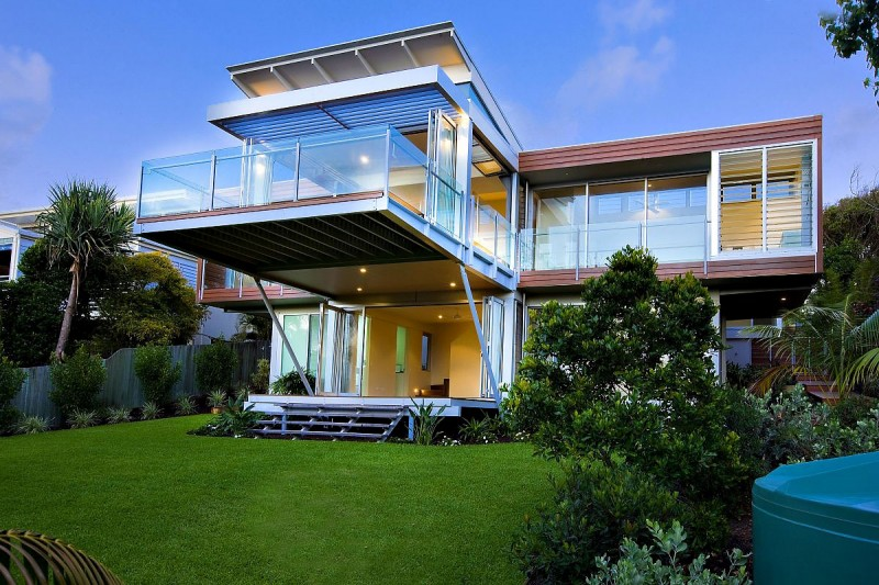 Marcus beach house by robinson architects for Double storey beach house designs