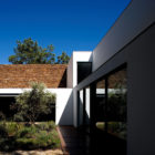 Casa Do Lago by Frederico Valsassina Architects (5)