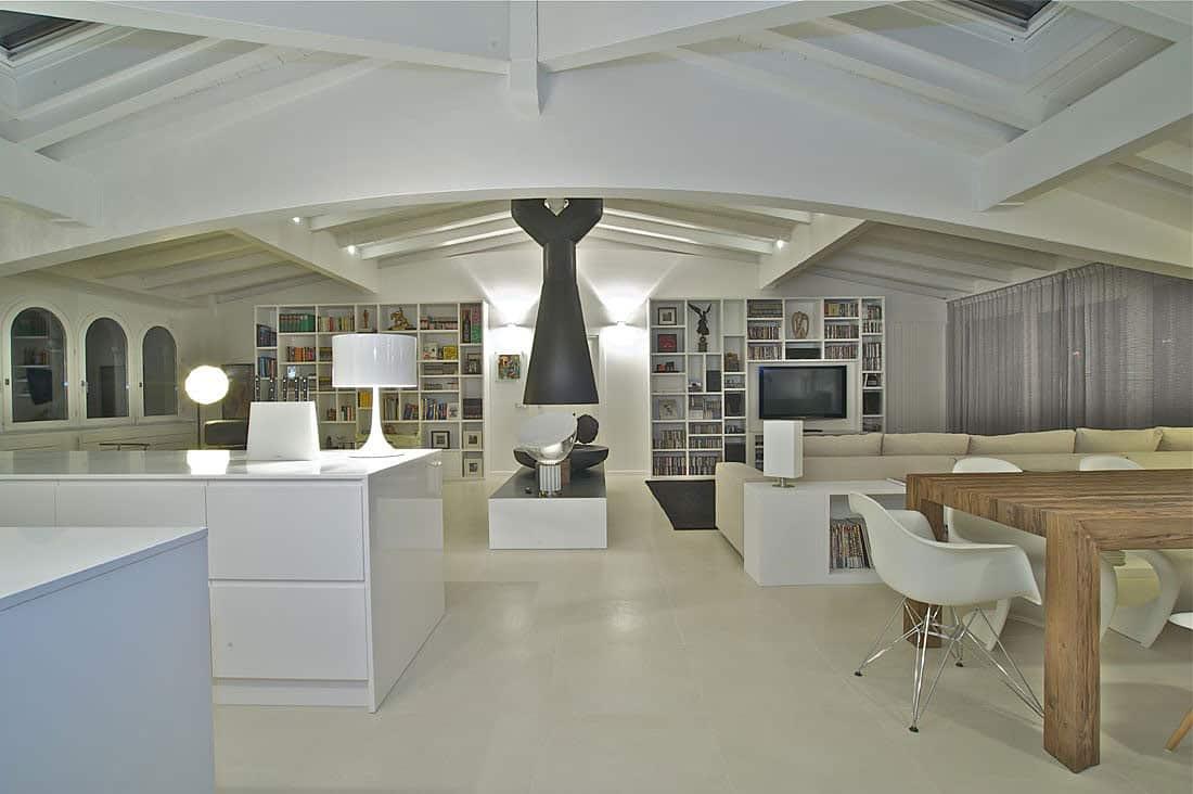 Ultra Classy Penthouse by Fabio Gianoli