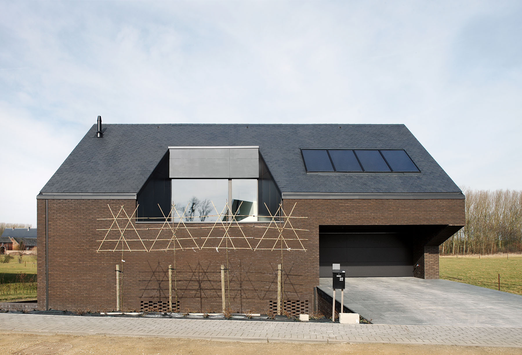 Tsl House by Adn Architectures