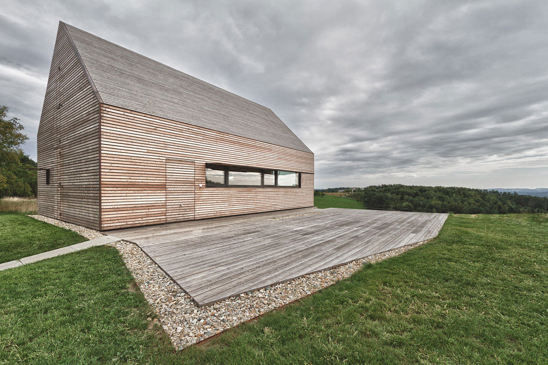 Summer House in Southern Burgenland by Judith Benzer Architektur