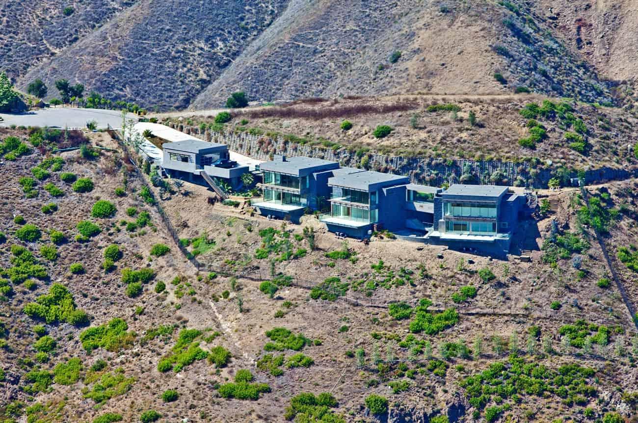Bridge House in Malibu by Sorensen Architects