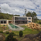 Contemporary Family Residence by Oscar Mesa (1)