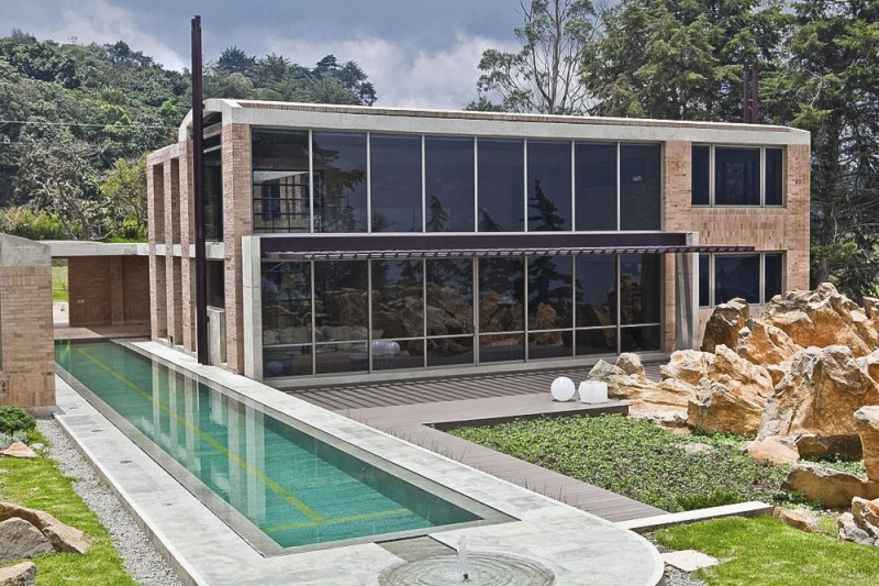 Contemporary Family Residence by Oscar Mesa (3)