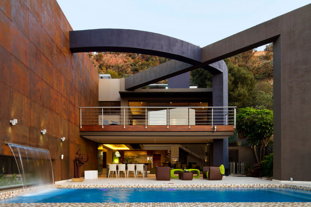 House The by Nico van der Meulen Architects