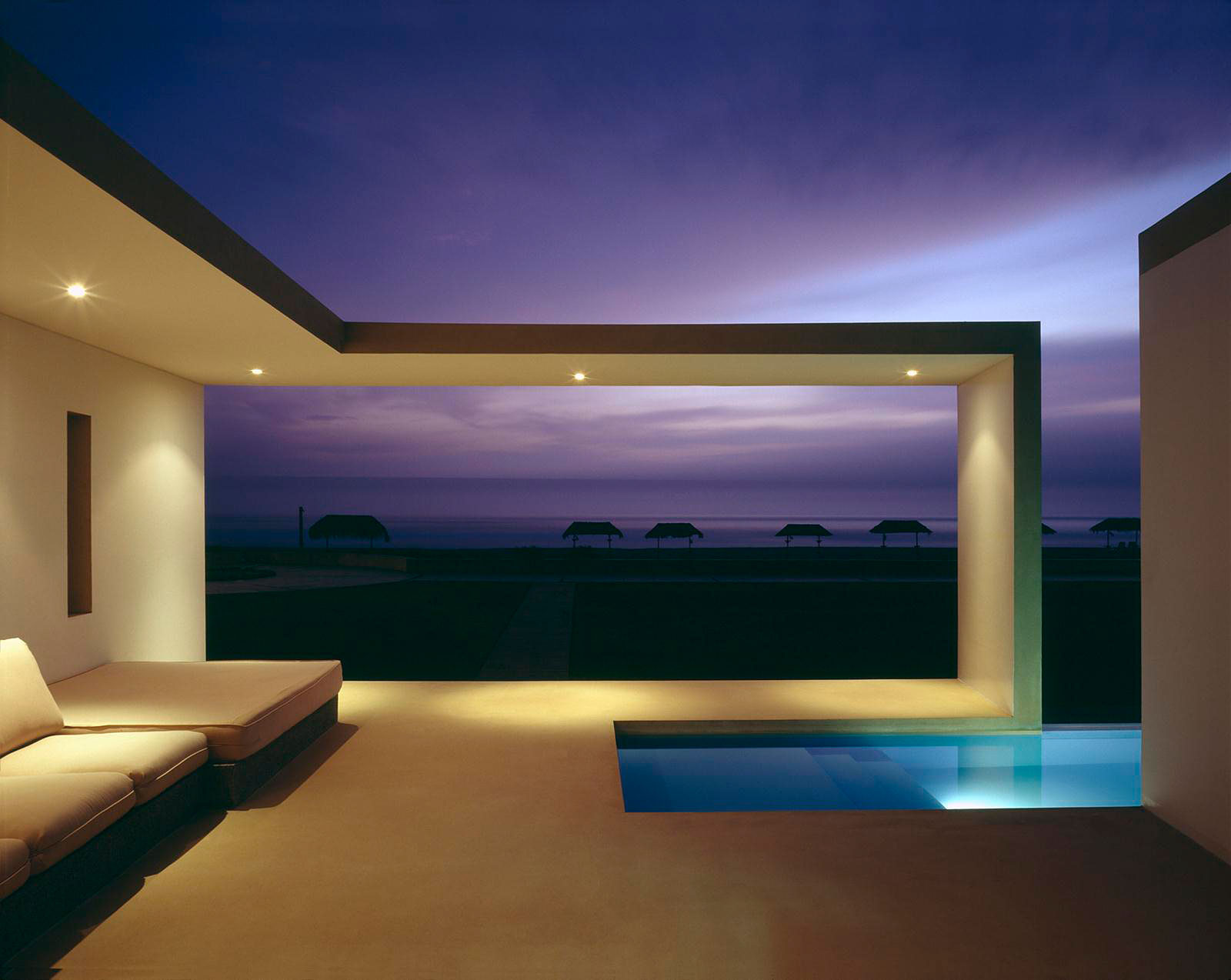 Beach House in Las Arenas by Javier Artadi Arquitectos