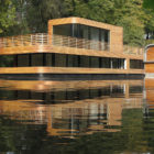 Houseboat on the Eilbekkanal by Rost Niderehe Architects (1)