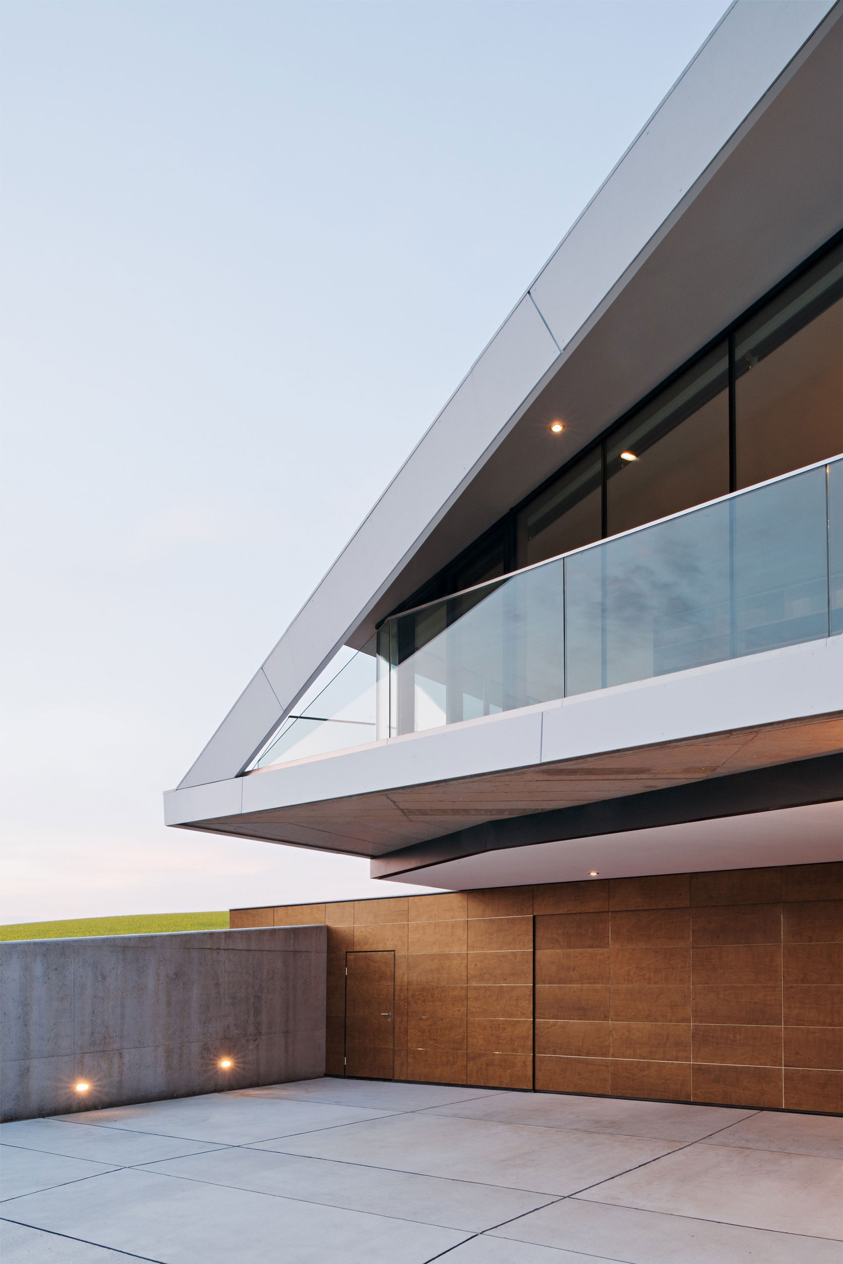 L House by Architects Collective (7)