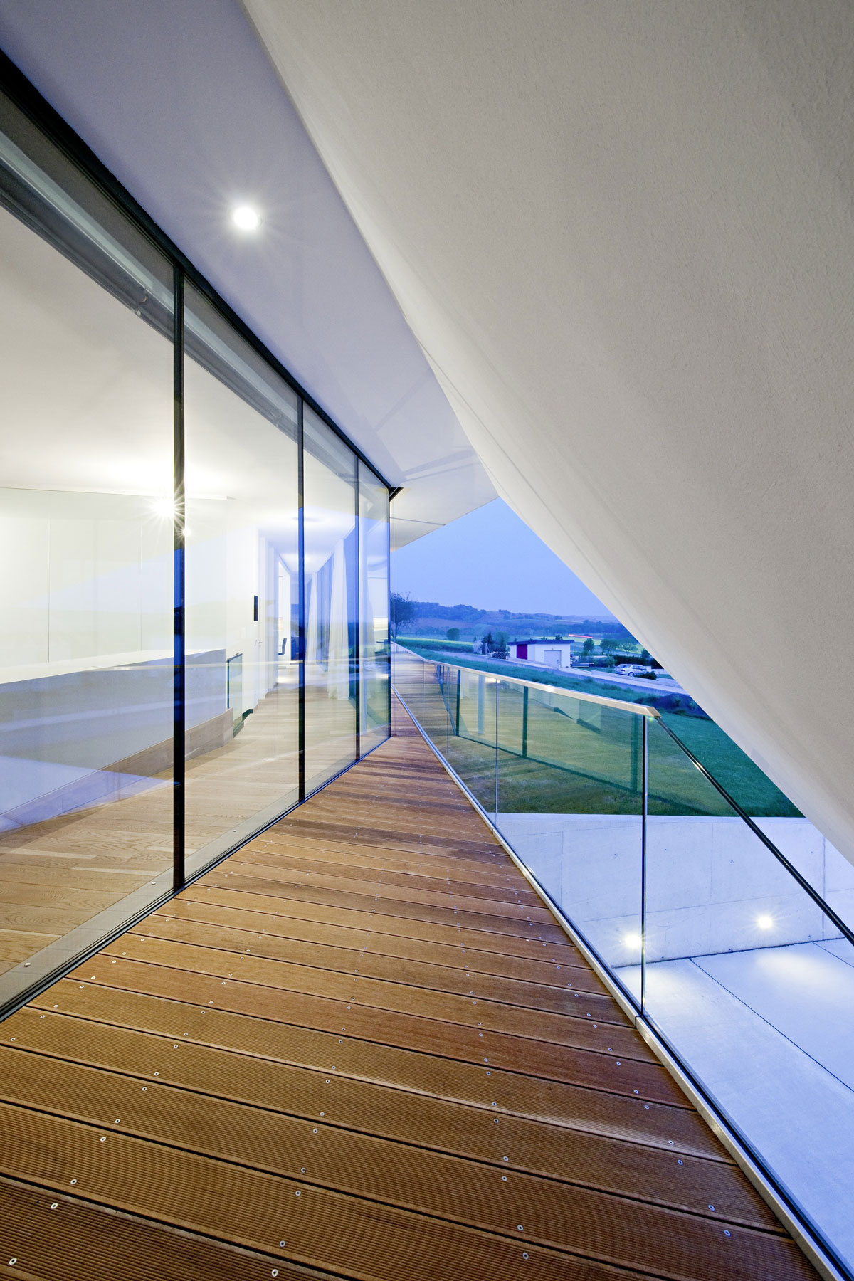 L House by Architects Collective (18)